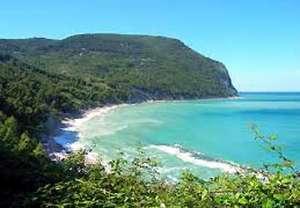 conero-monte-spiaggia