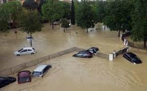 alluvione_macchine