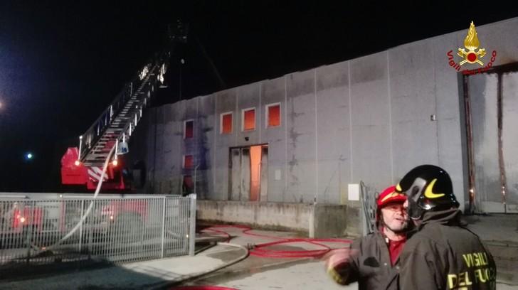 Incendio capannone a Senigallia