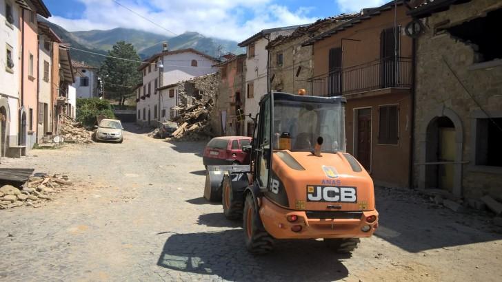 Personale Anas al lavoro nella zona del sisma.