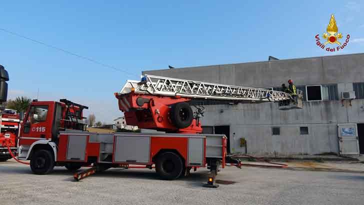 Incendi,2 ustionati per scoppio fuga gas