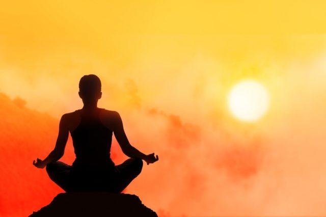 A Pedaso yoga al tramonto